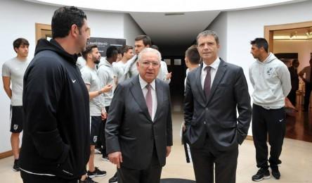 O presidente do Vitória Júlio Mendes comentou as notícias recentes que dão  conta do interesse de vários clubes na contratação de Rui Vitória. 3623eeb4d1bb5